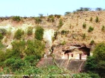 Bagh Caves बाघ की गुफाएँ